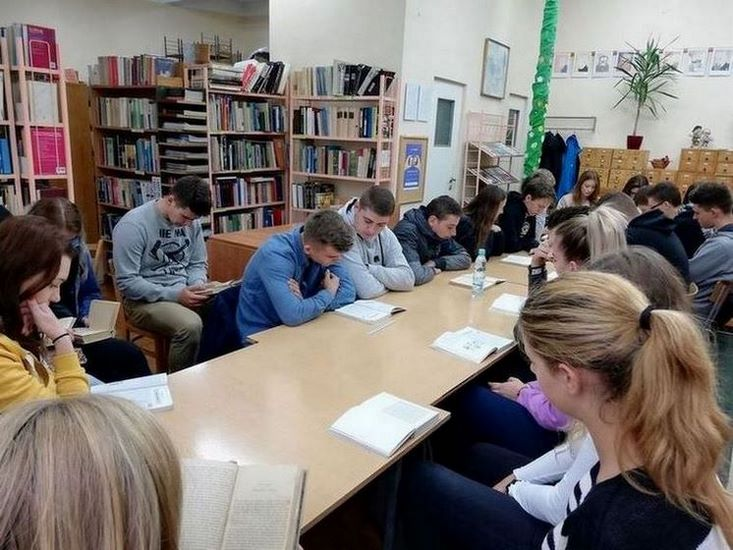 """Czytanie """"Przedwiośnia"""" Stefana Żeromskiego w naszej szkole"""