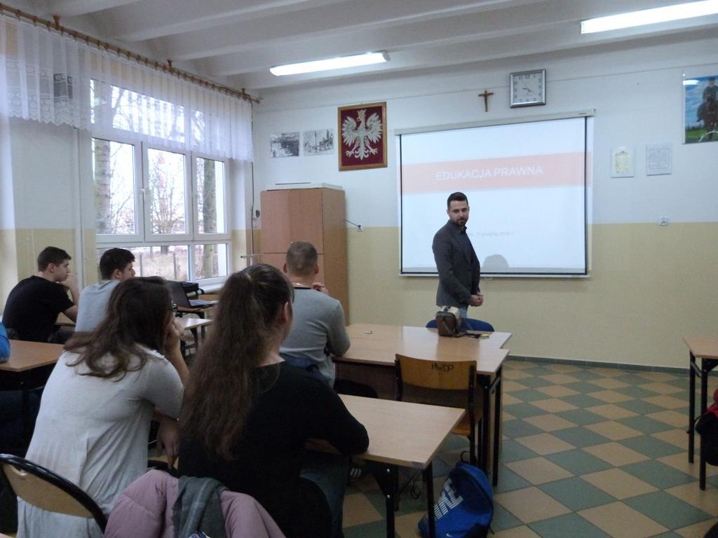 Edukacja prawna w RCEZ