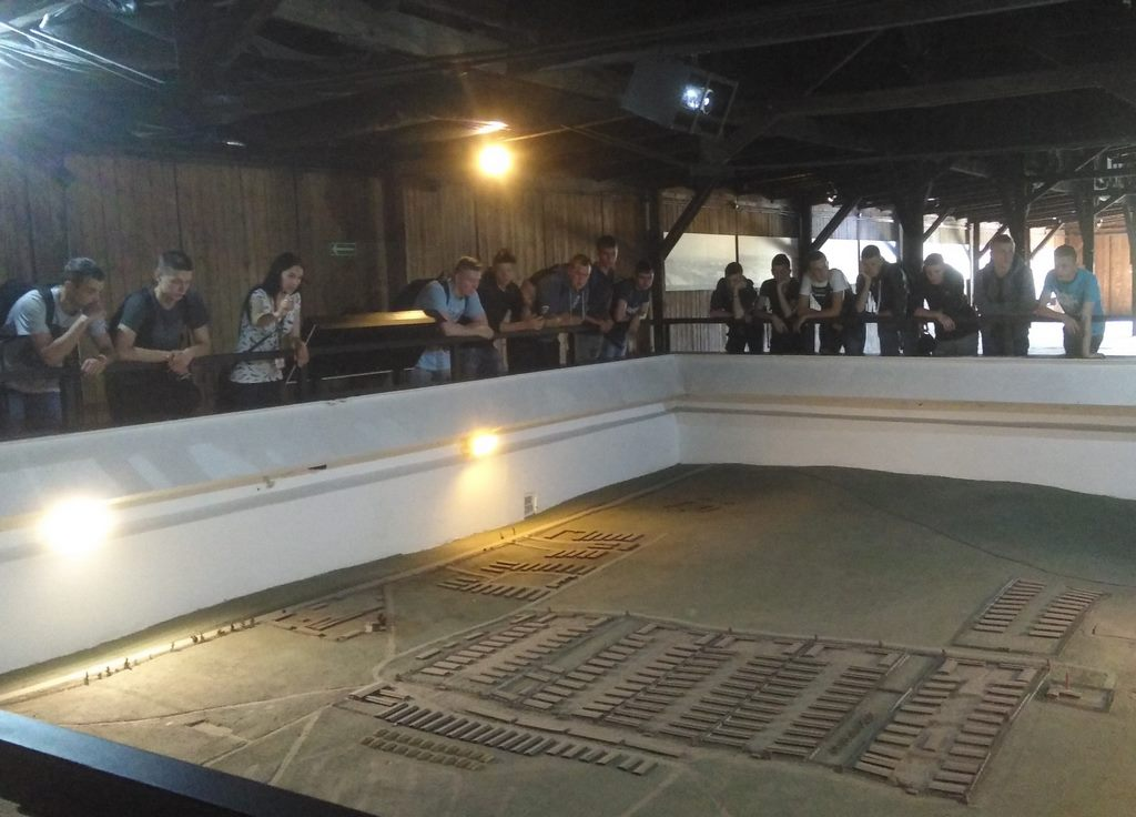 Lekcja muzealna klasy 1t na Majdanku
