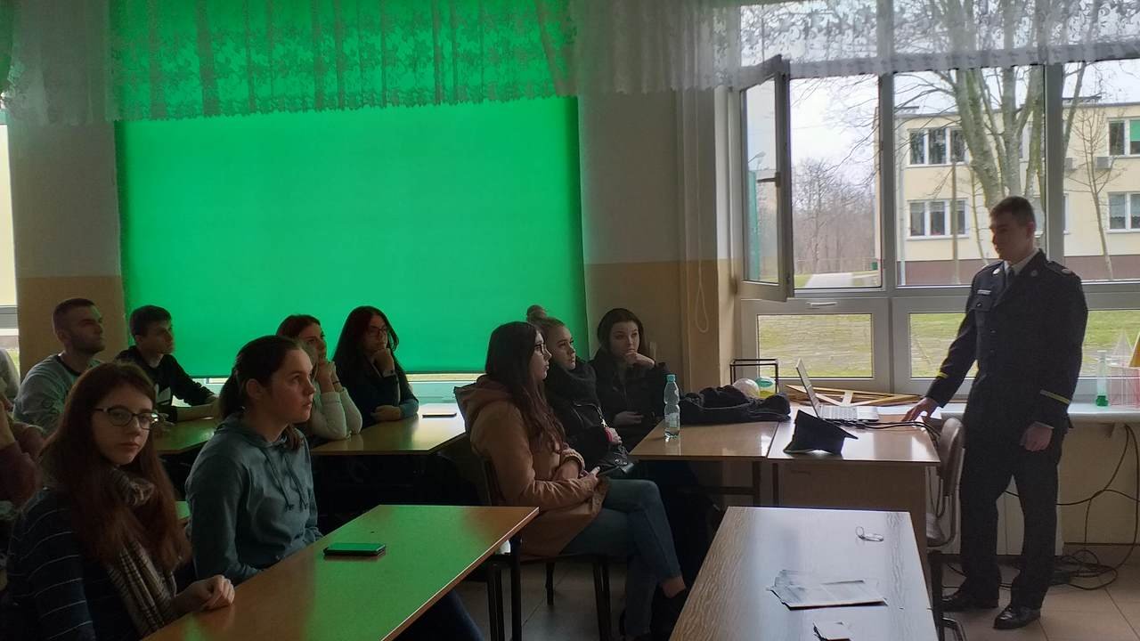 Spotkanie maturzystów z przedstawicielem SGSP
