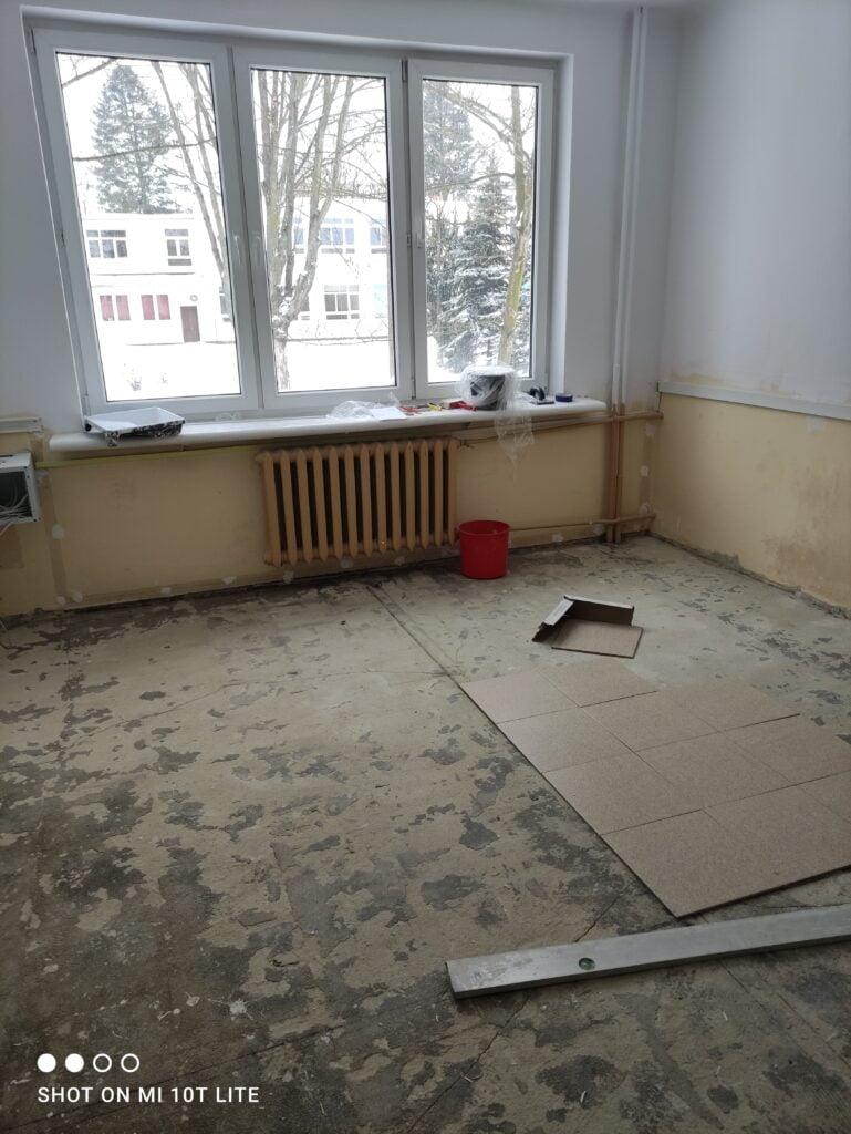 Zajęcia praktyczne- remontujemy szkolne pomieszczenia.