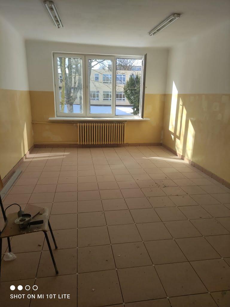 Zajecia-praktyczne-remontujemy-szkolne-pomieszczenia
